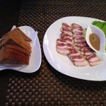 オールシーズンレストラン - サーラ&黒パン