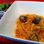 バル吉 Fresh Pasta スタンド - 厚切りベーコンと旬の焼トウモロコシナスを使ったアマトリチャーナ