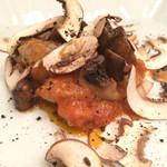 PASTA HOUSE AWkitchen FARM - プリフィクスコース (メイン) 鶏もも肉のカチャトーラ 十勝マッシュルームのフォアグラバターソテー