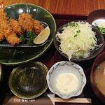 かつ工房 和幸 - かきフライとひれかつ1380円。(2012.12)