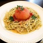 カフェ ド 10番 - トマトの乗ったパスタ