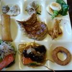香港厨房 - 香港厨房にて…2014年12月… 食べ放題の品々