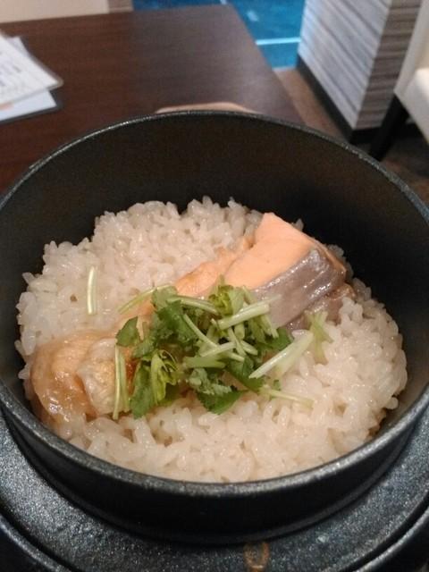 お料理 結い - 鮭といくらのはらこ釜飯