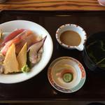 すし幸 花亭 - 海鮮丼750円