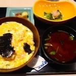 茶屋 青柳 - 定番 玉子とじ丼(1691円)