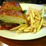 35716661 - Puck Burger(1130円+税)
