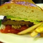 35716665 - Puck Burger(1130円+税)・アップ