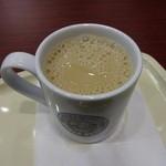 カフェ・ベローチェ - カフェオーレ:230円
