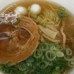 赤塚パーキングエリア(上り線) スナックコーナー - 「赤塚ら~麺ミニイベリコ豚丼セット」(900円)のラーメン