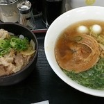 赤塚パーキングエリア(上り線) スナックコーナー - 「赤塚ら~麺ミニイベリコ豚丼セット」(900円)