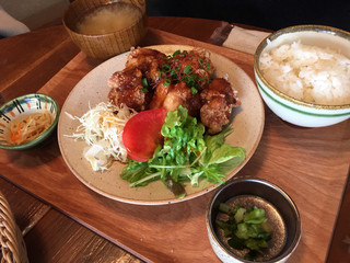 #702 CAFE&DINER なんばパークス店 - 日替わりの唐揚げ