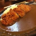 アローズ - 料理写真:カツカレー ¥940  ミニサラダドリンクセット  ¥390