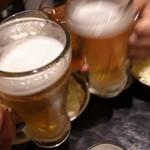 活け活け魚ー魚ー - ビールで乾杯です