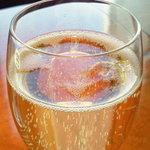 カクテル カリン - シャンパン