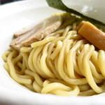 二代目 村岡屋 - つけ麺の麺は、歯を跳ね返す強烈な弾力!