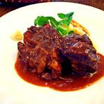 デ イチバ - 和牛スネ肉の煮込み