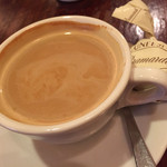 35731631 - 食後のコーヒーとおまけのチョコレート