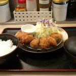 35731772 - カキフライ定食(590円)
