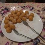レストラン信天翁 - デザートコーナーのごま団子