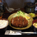 濱乃家 - 上ロースかつ定食。