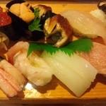 日本海すし - 料理写真:「特上寿司」1500円 全ての寿司に二種のつきだしにお味噌汁がついてきます。