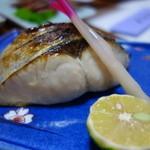 寿司.割烹 海徳 - 鯛の天火焼き