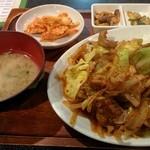 美成家 - 鶏の炒め物ランチ