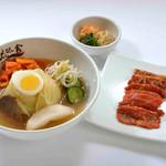 ぴょんぴょん舎 - 冷麺焼肉ランチ