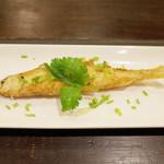 カレーのアキンボ - 前菜+カレー1皿(1300円)のちかのフライ(本日の前菜)