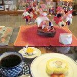 つむぎカフェ - 米粉のロールケーキセット500円