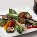 ぼてぢゅう - 5.彩り野菜の鉄板焼 バーニャカウダーソース