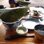 江ノ島小屋 - まかない丼