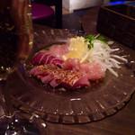 ビストロ ジドリーノ - 地頭鶏のカルパッチョ。新鮮で美味しい。