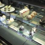 アンジェラ - ケーキの陳列棚