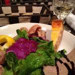 四代目田兵衛 葡萄家 - 日本のワインと、前菜盛り合わせ