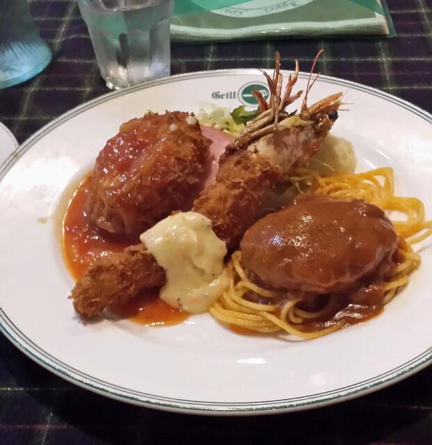 グリル一平 - 洋食の主役が一度に楽しめるブラヴォーセット、ポタージュスープ付き
