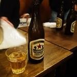 キャラヴァンサライ包 - サッポロラガービール(中瓶)600円