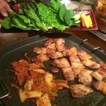 韓国鶏鍋 GOCHU - サムギョプサル