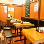 うどん屋麺之介 - テーブル席