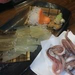 大漁旗 - イカ刺し&ゲソの天ぷら