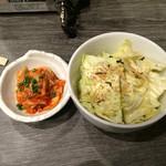 2代目かんてき - ポテトサラダとキムチ
