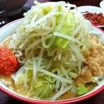 ギガムジャキ - 料理写真:辛味噌ラーメン(小)800円