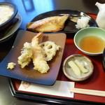 35782641 - 鯛と天ぷらのご膳 ¥1500