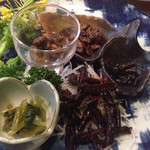 卯屋 - 珍味盛り合わせ  ザザムシ,イナゴ,ハチの子,サナギ