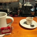 カフェ プリモ パッソ - 珈琲には、キャラメル・クッキー付きです♪