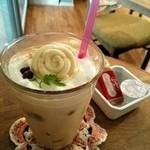 カフェ プリモ パッソ - 天然木のぬくもり。あたたかい店内に癒されます。