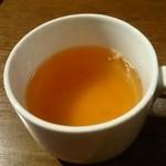 ベビーフェイスプラネッツ - 燻製ソーセージのコンソメスープ