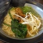 群ちゃん - 牛肉麺