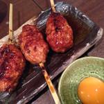 どろまみれ - つくね(370円) + 比内地鶏黄身(75円)
