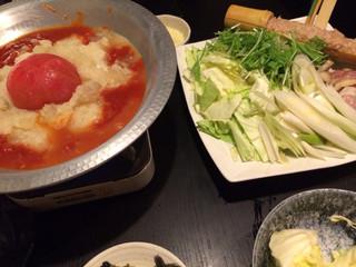酉一途 西新宿店 - トマト水炊き